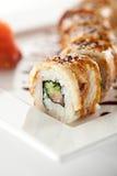 Lachs- und geräucherte Aal Maki Sushi Lizenzfreies Stockbild