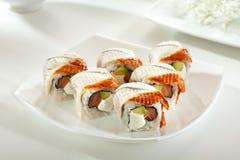 Lachs- und geräucherte Aal Maki Sushi Stockbild