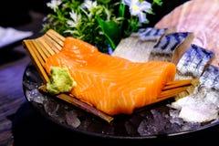Lachs- und Saba Sashimi Japanese-Lebensmittel, berühmt und köstlich lizenzfreie stockbilder
