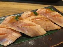 Lachsbauch aburi Sushi Stockfotografie