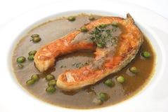 Lachse gebraten mit grüner Chili-Sauce Lizenzfreie Stockbilder