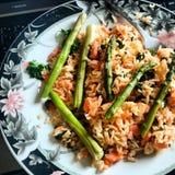 Lachse mit grünen Bohnen und Reis Lizenzfreies Stockbild