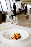 Lachse und Spargel an der Luxuxgaststätte Stockbild