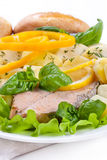 Lachssteak mit Kartoffeln Lizenzfreie Stockfotos