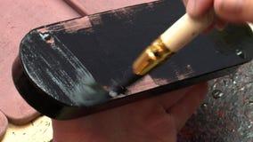 Lack Miniatur-Palekh Der Kasten wird mit schwarzer und roter Farbe bedeckt stock abbildung