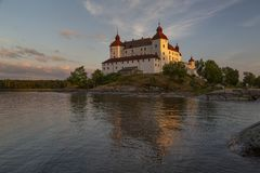 Lacko-Schloss im letzten Glättungssonnenlicht lizenzfreies stockbild