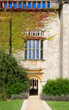 Lacock Abbey Oriel Window Royaltyfri Fotografi