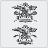 Lacrosse e logotipos e etiquetas do hóquei Emblemas do clube de esporte com águia Fotos de Stock Royalty Free