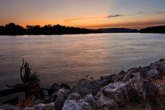 LaCrosse Wisconsin River solnedgång Arkivfoto