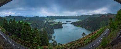 Lacs de cratère de jumeau de Sete Cidades Photo libre de droits