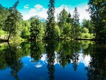Lacs de l'amour chez Strbske Pleso en montagnes de Tatras Image libre de droits