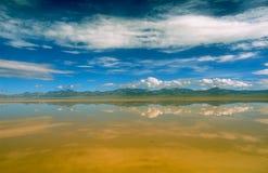Lacs et cieux Images stock