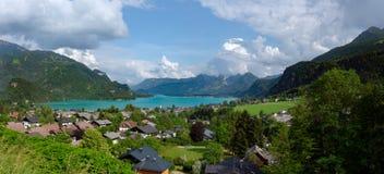 Lacs et paysage montagneux photographie stock