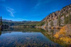 Lacs gigantesques en Californie images libres de droits