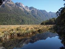 Lacs Nouvelle Zélande mirror Photos stock
