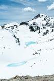 Lacs pittoresques de montagne en parc de Lassen photos stock