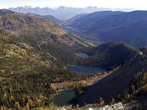Lacs triples dans l'alpestre Image stock
