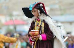 Ladakh遗产节日的舞蹈演员  免版税库存照片