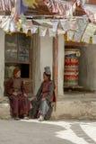 LADAKH, ИНДИЯ - 14-ое сентября 2018: Неопознанный тибетский буддист d стоковое изображение rf
