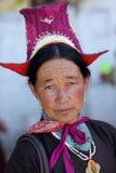 Ladakh festival 2013, kvinna med den traditionella klänningen Royaltyfri Foto