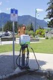 laddande elektriskt stationsmedel Fotografering för Bildbyråer