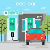 laddande elkraft för bil Eco bil på uppladdningsstation Arkivbilder