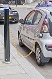laddande elkraft för bil Arkivfoton