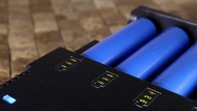 Laddande uppladdningsbara batterier lager videofilmer