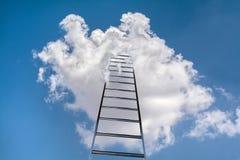 Ladder aan hemel stock fotografie
