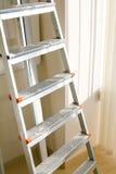 Ladder in het bureau stock foto's