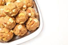 Laddoo seco doce caseiro dos frutos da Índia Fotos de Stock Royalty Free
