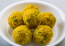 Laddu o il laddoo è dolci a forma di palla popolari nel subcontinente indiano Fotografia Stock