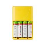 Ladegerät mit Batterien Lizenzfreie Stockfotos