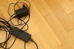 Ladegerät und Kabel Lizenzfreies Stockbild