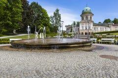 LADEK ZDROJ, ПОЛЬША - JUNI 05, 2017: Ladek Zdroj городок в Kl Стоковое Изображение RF