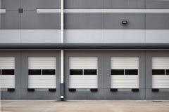 Laden-Schacht-Türen Stockfotos