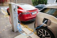 Ladende elektrische auto royalty-vrije stock foto