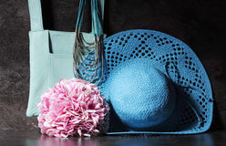 Ladies vintage aqua blue sun hat, shoulder bag and necklace. Royalty Free Stock Image