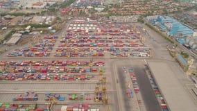 Lading en passagierszeehaven in Surabaya, Java, Indonesië