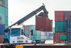Lading van containers Royalty-vrije Stock Afbeelding