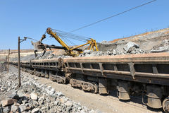 Lading van ijzerertsspoorwegen Stock Foto's