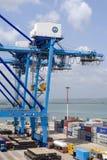 Ladingskraan bij de containerterminal Stock Foto
