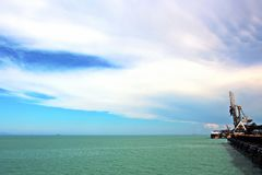 Ladingsterminal van steenkoolproducten voor vrachtschepen, bulkers en mening van de lader van ladingskranen Australië? 2018 royalty-vrije stock afbeeldingen