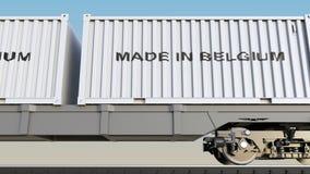 Ladingstrein en containers met GEMAAKT IN de titel van BELGIË Spoorwegvervoer het 3d teruggeven Royalty-vrije Stock Foto's