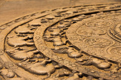 Lado à terra do relevo de Polonnaruwa Sandakada Pahana Foto de Stock
