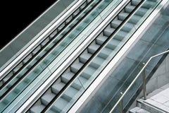 Lado da escada rolante fotografia de stock