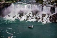 Lado de Niagara Falls los E.E.U.U. de la torre de Skylon foto de archivo