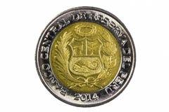 Lado de Peru Two Soles Coin Tail do tiro do close up imagem de stock
