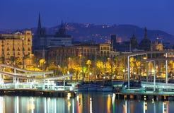 Lado de porto de Barcelona no alvorecer imagens de stock royalty free