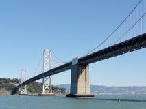 Lado de San Francisco del puente de la bahía Fotos de archivo libres de regalías